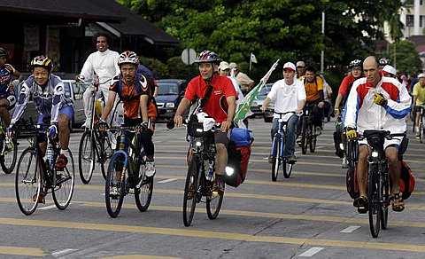 Hanoi biking tour 1 day