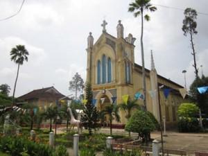 Exploring colonial architecture in Nang Gu Church